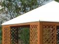 Dettaglio pagoda con griglia verticale